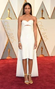 rs_634x1024-170226165238-634-naomie-harris-2017-Oscars-Awards